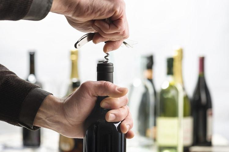 ワインオープナーの種類と使い方のコツ
