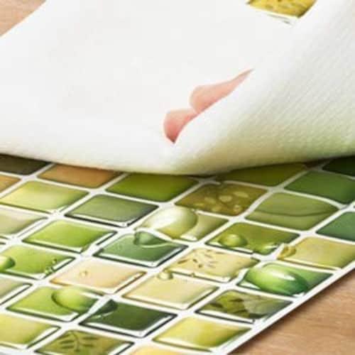 モザイクタイルのテーブル