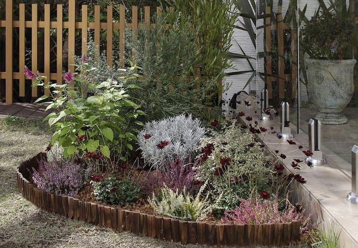 ガーデンエッジを使用した花壇