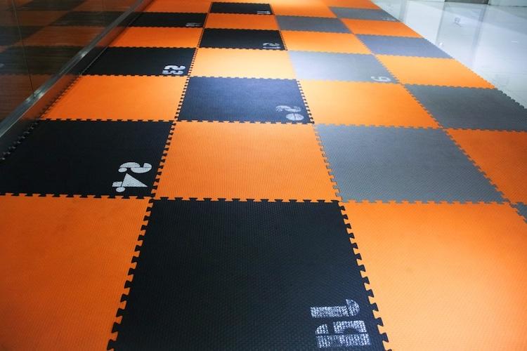 床|クッション性が高いカーペットがおすすめ