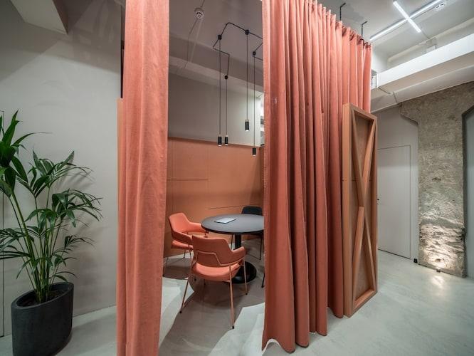 素材 おしゃれな「木製や布製」、オフィス感を崩さない「スチール製」