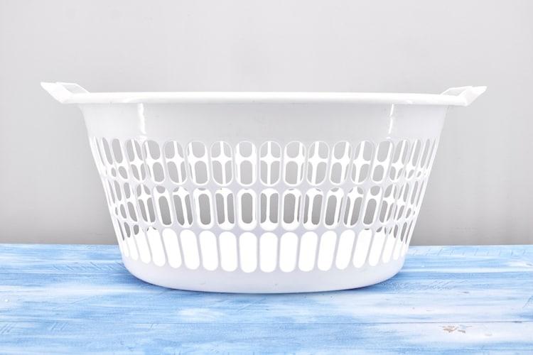 素材 衛生的な網目状の「スチール」