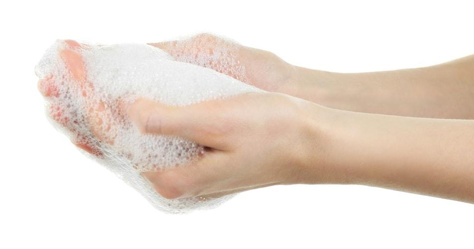 泡立ち|高保湿力タイプは少量で良質な泡に