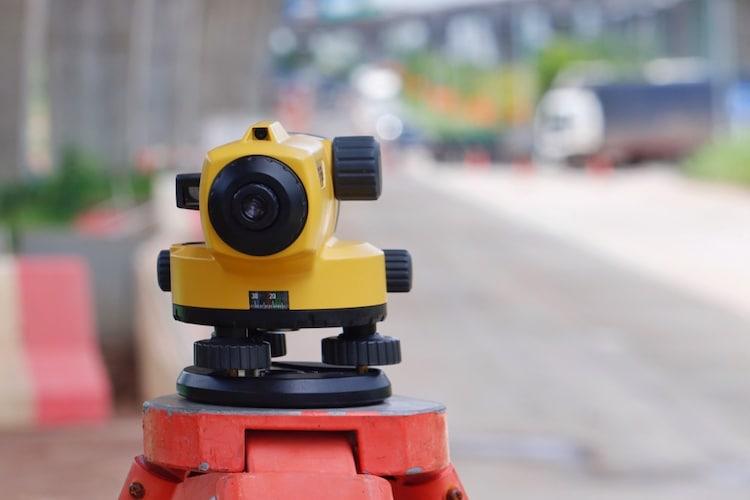 種類3|大工や建設の人々御用達のレーザー機能搭載のレーザー水平器
