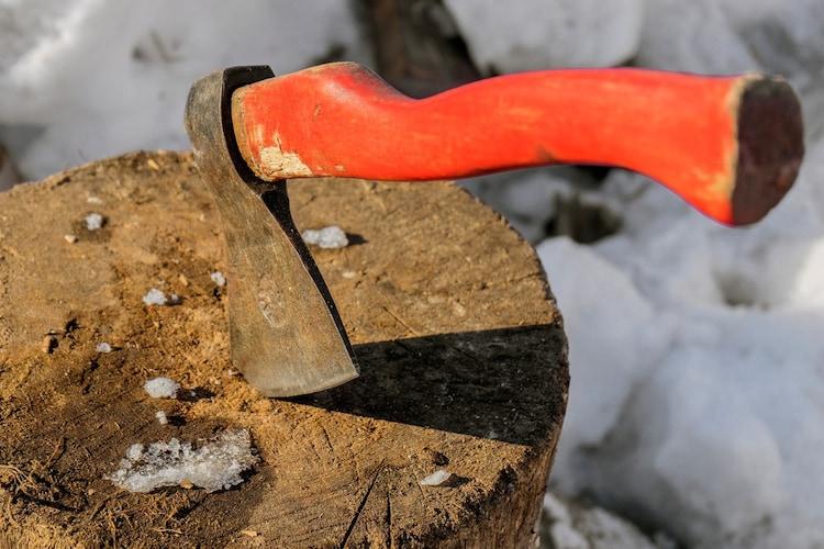 柄の素材|手に馴染む「木」、手が馴染む「グラスファイバー」