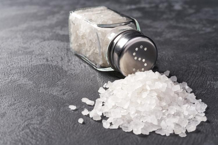 成分|無添加が安心、塩分量に気を遣って