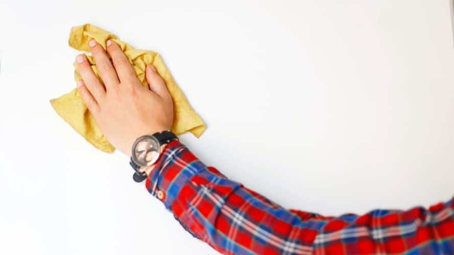 成分3|安全性が高く手肌に優しいアルカリ電解水