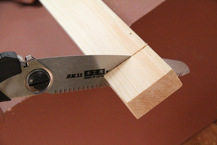 胴付きノコギリ|精密な切断作業や薄い板を加工するの時に便利