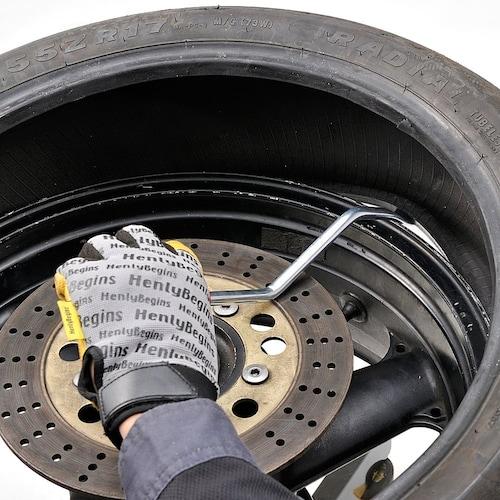 クランク型|頑丈で、大きなタイヤにも使用できる