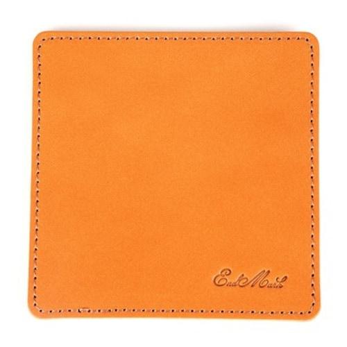 素材② 高級感ある革製は「合成皮革」が押しやすい