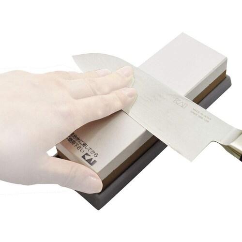 研ぎ方|切れ味を復活させる研ぎ方とおすすめの砥石、研ぎ器