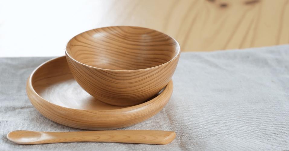 木製|断熱性が高く、汁物に最適