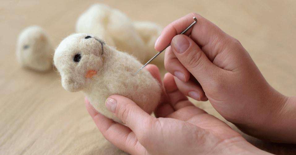 素材2 小物やニードル作品にはウール、短期間の使用なら綿や絹がおすすめ