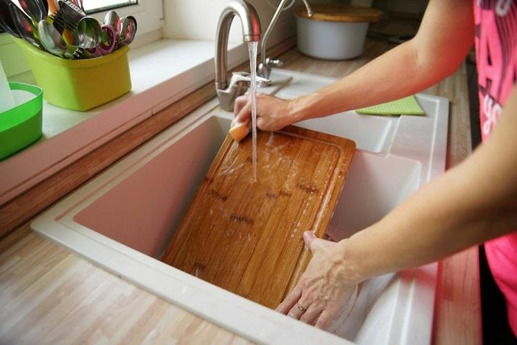 使用後はすぐに水洗いし、風通しのいい日陰で陰干しに