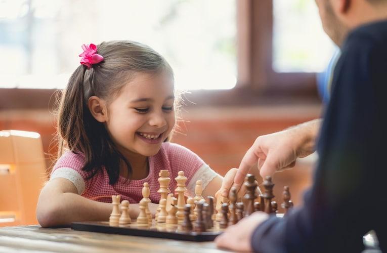 プレイ内容 大人は「心理戦」、子供は「知育」