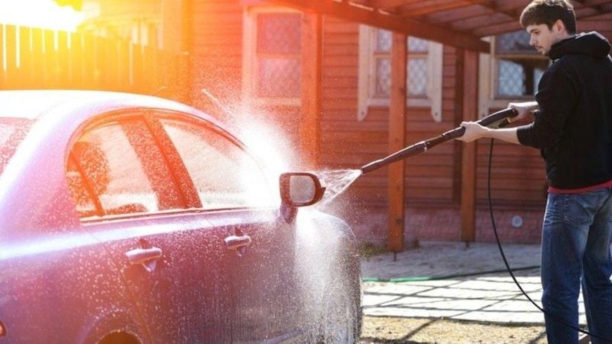 その他の洗車道具も活用して綺麗な愛車を保とう!