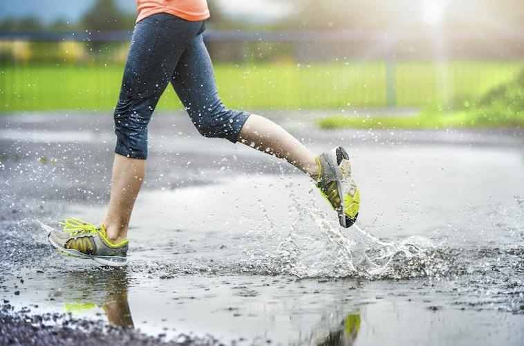 素材 蒸れにくいメッシュ・雨でも安心の防水加工が便利