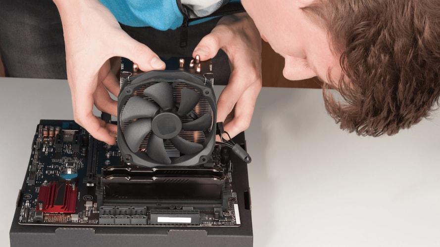 サイズ PCケースの取り付け場所を要チェック