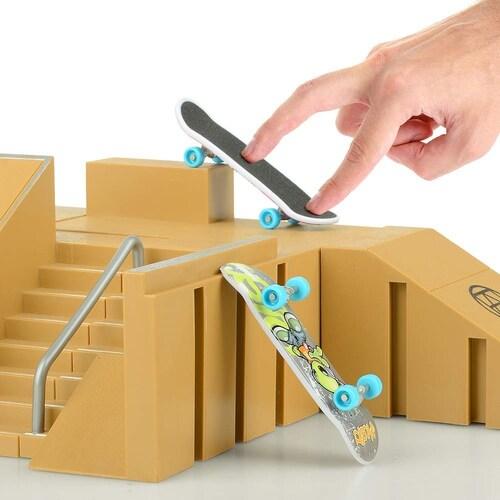 技を繰り出すための構造物、「セクション」も購入しよう!