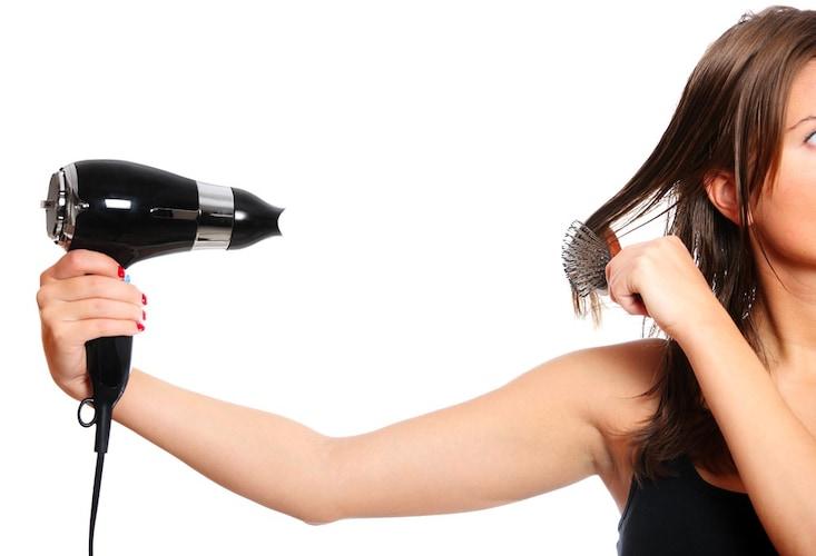 Q&A|正しい髪の乾かし方は?ドライヤーでのヘアセットできる?