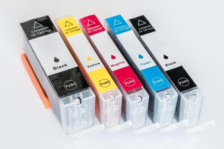 インクカートリッジ|色別に交換できる「独立型」でコストを抑える