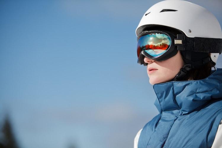 スキー・スノーボード用ヘルメットの正しいかぶり方