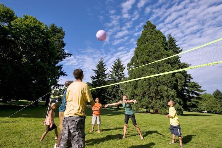 ソフトバレーボール|レジャーや遊び・生涯スポーツとしても注目