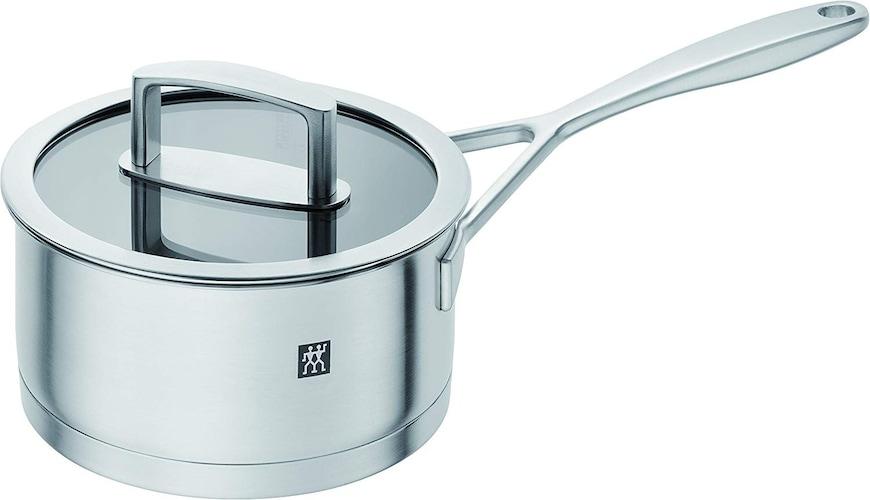 蓋がついていると煮込み料理や余熱調理もできる