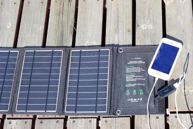 ソラーパネル スマホ 充電