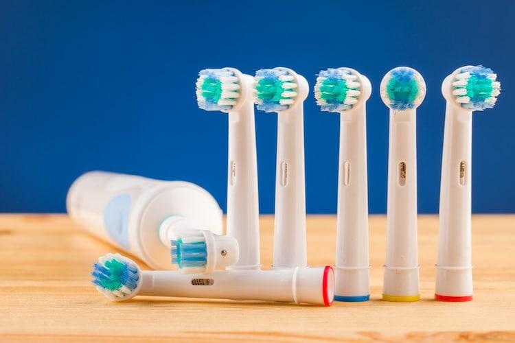 電動歯ブラシの付属品