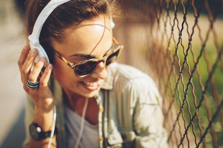 接続方法|ワイヤレス(Bluetooth)と有線から選ぶ