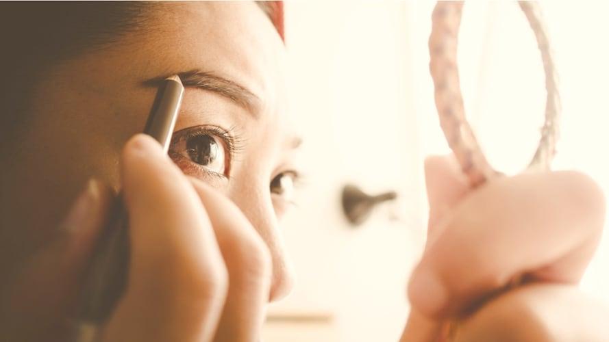 眉毛はさみの上手な使い方
