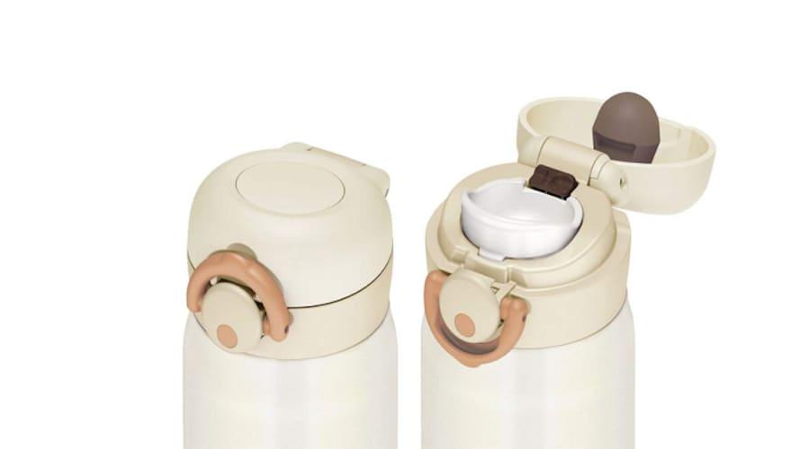 ワンタッチタイプ|片手で操作・スピーディーな水分補給に