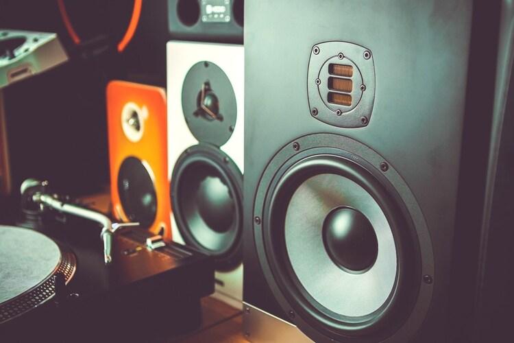 音質|ハイレゾ対応・スピーカー数で臨場感や音域が向上