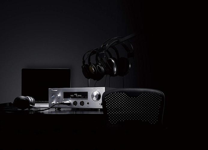 ▼据え置きタイプ 音質が良く、様々な機器に対応しやすい