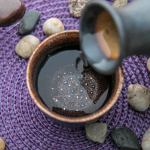 「熟酒」には重厚感があり、美しい色彩のものを
