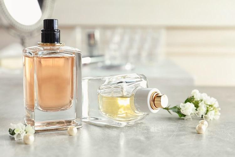 香り 「フレグランス(香りつき)」、「無香料」の2種類