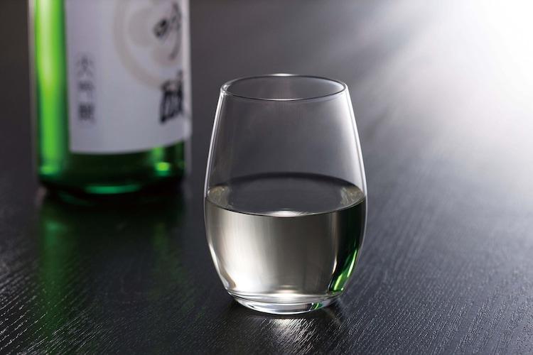 形状2 「味わい」重視なら口が狭く下が広いグラス