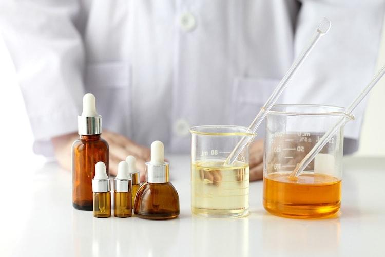 成分|セラミドやビタミンC誘導体などをチェック