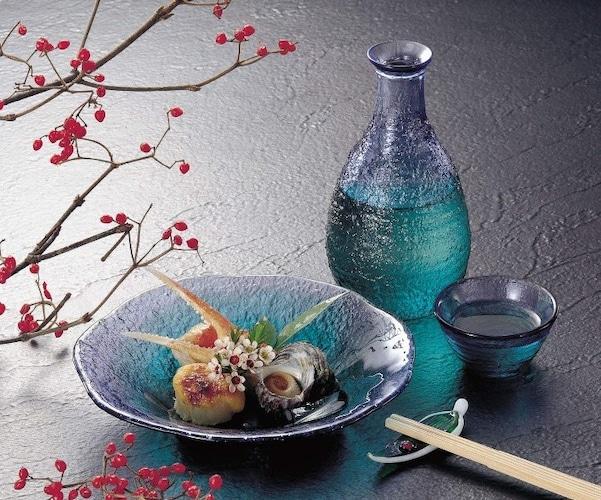デザイン|ガラスや陶器を季節でおしゃれに使い分け