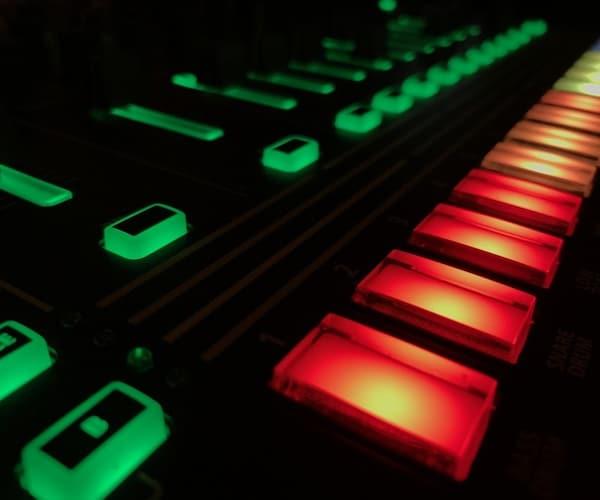1,EDM・クラブミュージック系におすすめのドラム音源3選