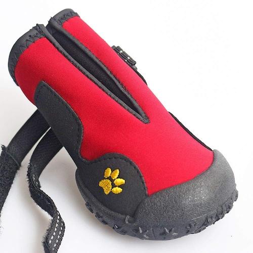 タイプ|履かせやすく脱げにくい構造を選ぶ