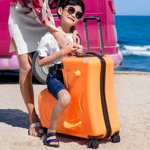 子供が乗れるキャリーバッグが人気!