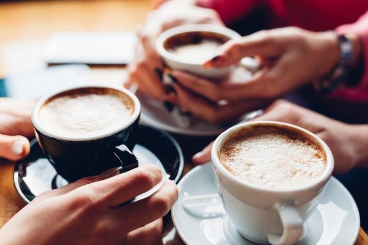 コーヒーカップの持ち方・マナー