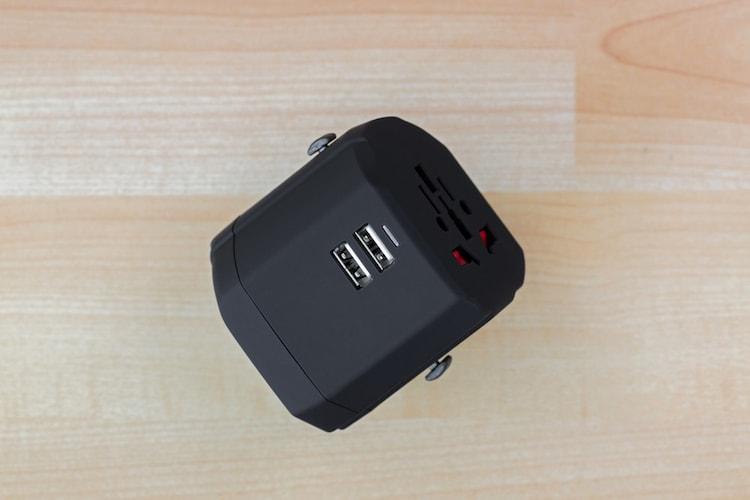 USBポート付き 狭い場所では不便かも