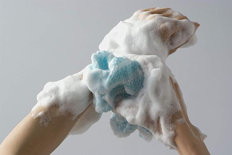 ボディタオルの使い方は?泡立ちのコツや肌に優しい洗い方を紹介!