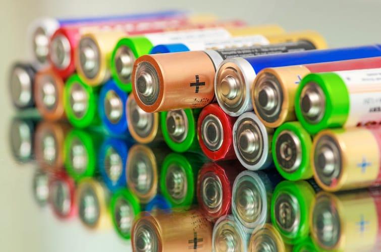 電源|軽量な「充電式」、充電切れの心配の少ない「電池式」