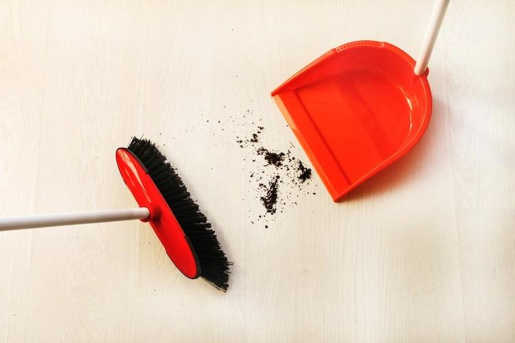 素材|軽量なプラスチック・タフに使える金属製