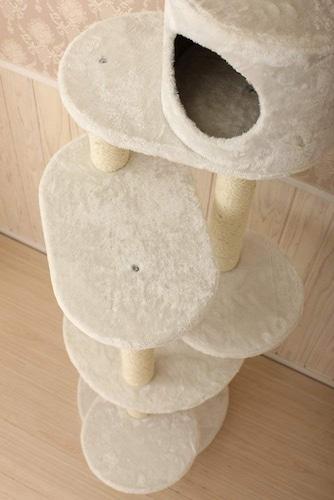 材質|ふかふかのタワーは猫ちゃんが登りやすく快適