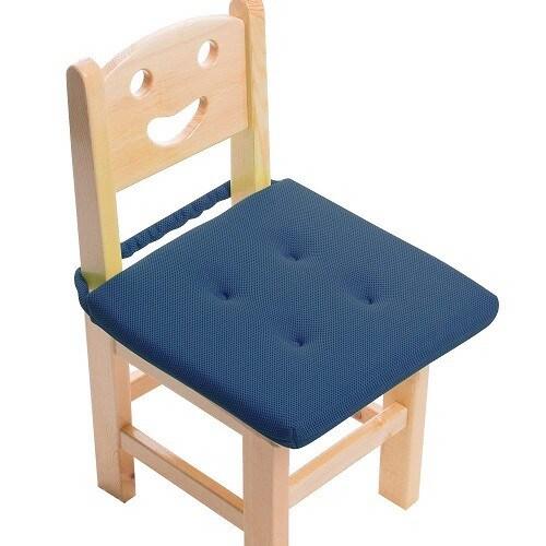 安全性|紐やベルトで椅子に固定できるモデルが安心